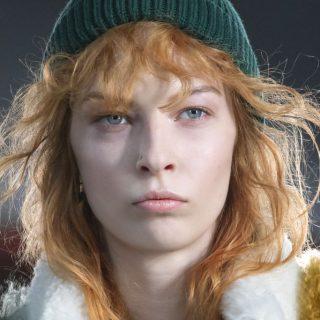 3 téli sapka, 3 ultramenő frizurával – téli randihoz