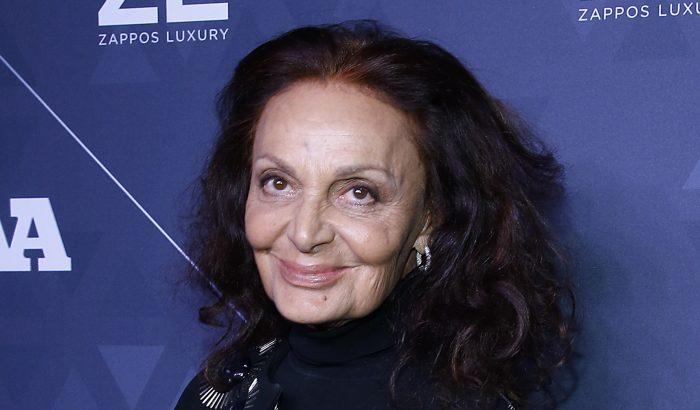 Diane von Furstenberg fürdőruhás szelfivel bátorítja a nőket