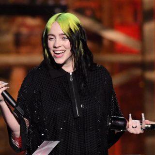 A haja miatt nem akarja kiadni új albumát Billie Eilish