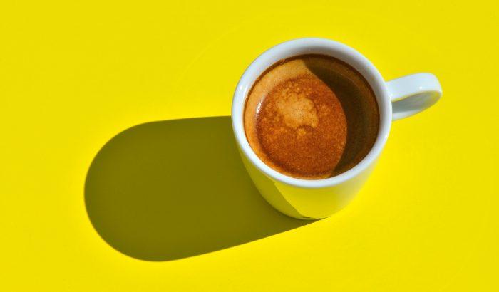 Rossz hír a kávéról: a koffein rontja a szorongást