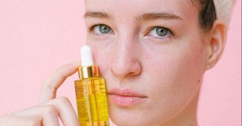 A 4 legjobb anti-aging hatóanyag érzékeny bőrűeknek