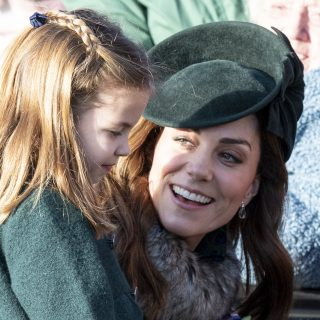 Szerinted kire hasonlít Charlotte hercegnő a legújabb fotóján?