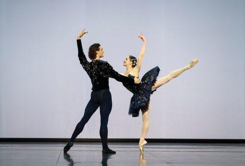 Chanelben léptek színpadra a párizsi Opera balett-táncosai