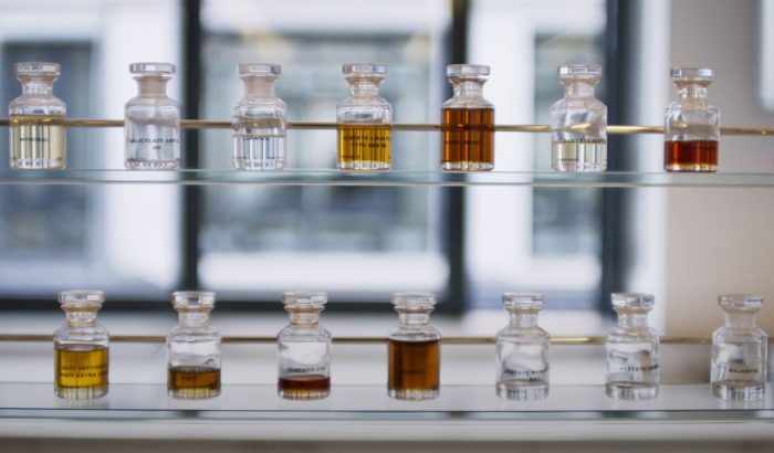 A parfümkészítés kulisszái mögé visz a Dior új dokumentumfilmje