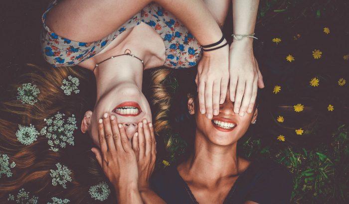 A barát paradoxon megmagyarázza, miért gyűjtik egyesek a barátságokat