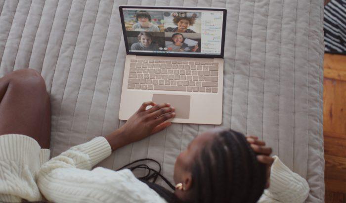Kikapcsolt kamerával védd a környezetet online meeting alatt!
