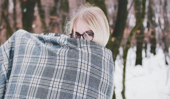 Így úszhatod meg, hogy irritált legyen a bőröd idén télen