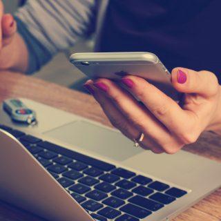 Miért esünk könnyen áldozatul az SMS csalásoknak?