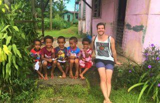 Hamarosan apuka lesz a világutazóból – interjú Szécsi Lászlóval