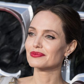Afgán kamaszért regisztrált az Instagramra Angelina Jolie