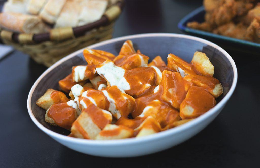 patatas-bravas-recept-aioli-tapas