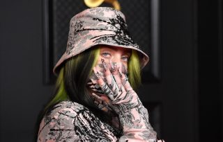 Billie Eilish háromféle körmöt viselt a Grammy díjátadón