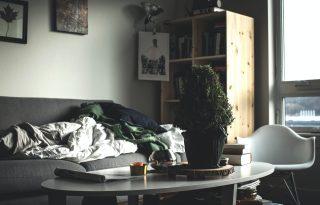 Vetetlen ágytól a fényhiányig: így tesz stresszessé az otthonunk