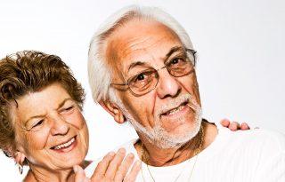 Miért maradt boldogabb az idősebb korosztály a járvány alatt?