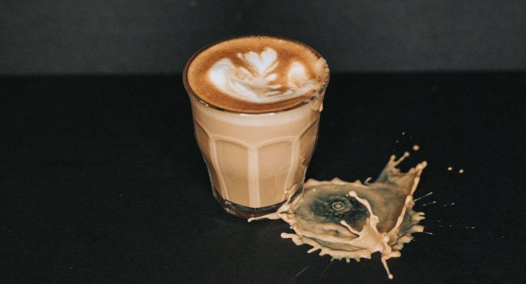 koffeinerzekeny-kave