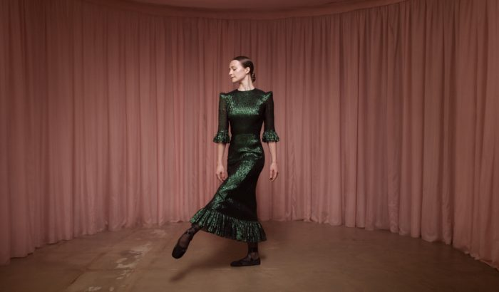 Balett-táncosok keltették életre a The Vampire's Wife ruhákat