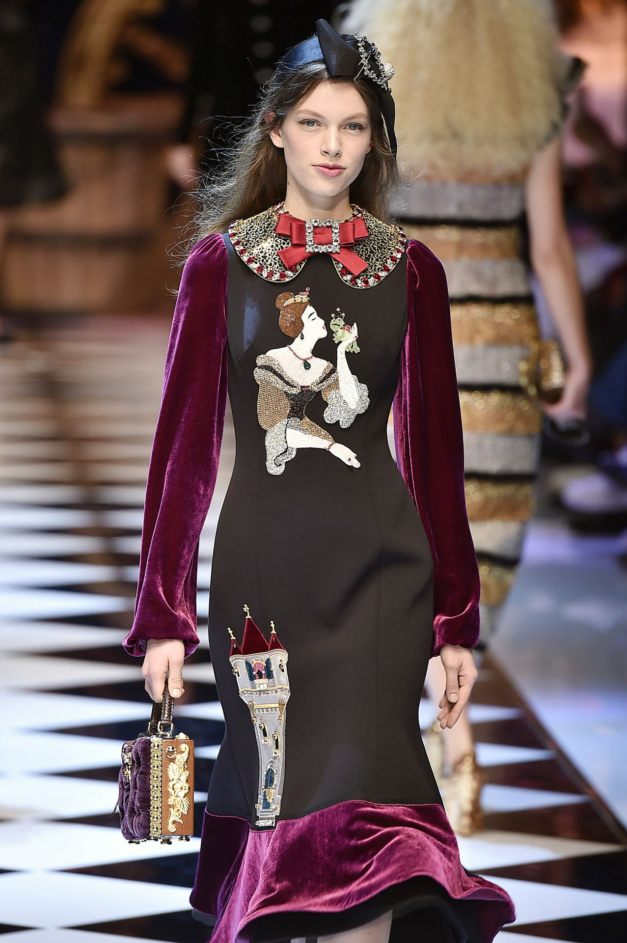 2. kép: Dolce & Gabbana 2016 ősz/tél (Fotó: Catwalking/Getty Images)