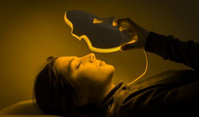 Gyógyítanak és fiatalítanak az otthoni használatra tervezett LED-fényterápiás maszkok