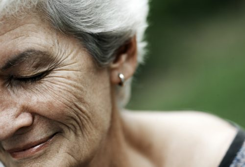 Egy kávét kért, majd elővett egy húszezrest – történet az Alzheimer-kórról