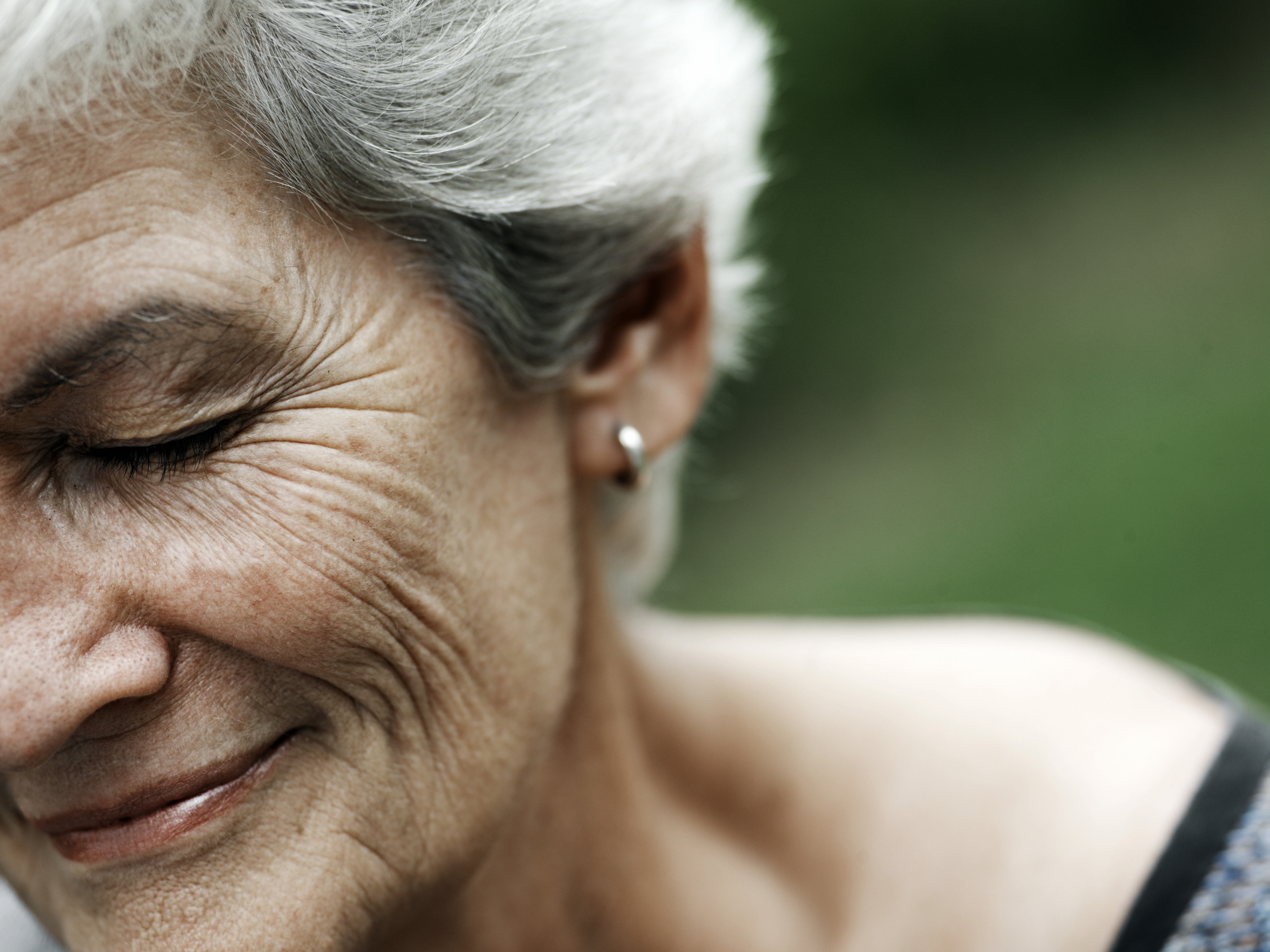 idős nő