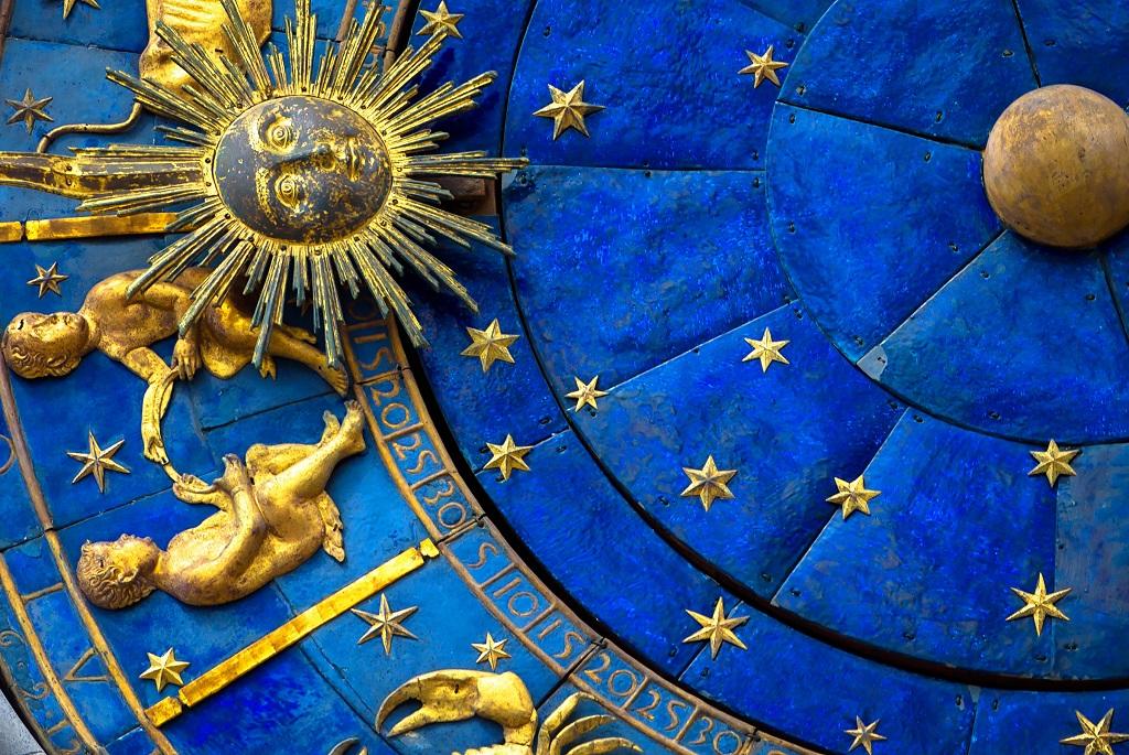 ikrek oroszlan skorpio csillagjegy tulajdonsag horoszkop
