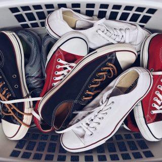 Megsárgult a tornacipőd? 5 tipp, hogy újra fehér legyen!
