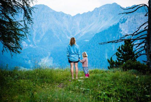 Szülő – nem szülő barátság: miért nehéz és hogyan lehet könnyebb?