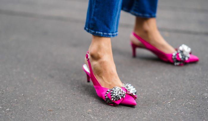 Slingback – A szandál, ami majdnem cipő, és teljesen odavagyunk érte