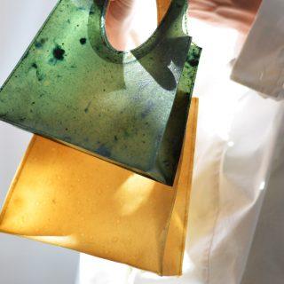 Kérészéletű szépség a lebomló táska
