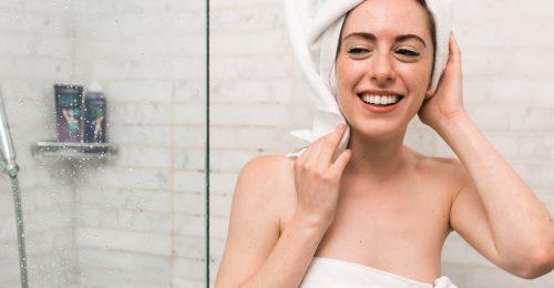 A méregdrága hidegterápiák szuper alternatívája a mezei hidegvizes zuhany