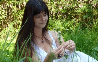 """""""Ha nincs sok időm, akkor még szeretnék a világnak adni magamból"""" – interjú Hétvári Andrea költőnővel"""