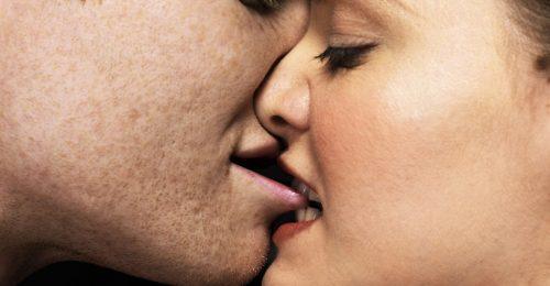 6 izgalmas szexpóz, hogy még jobban élvezzétek az orális szexet
