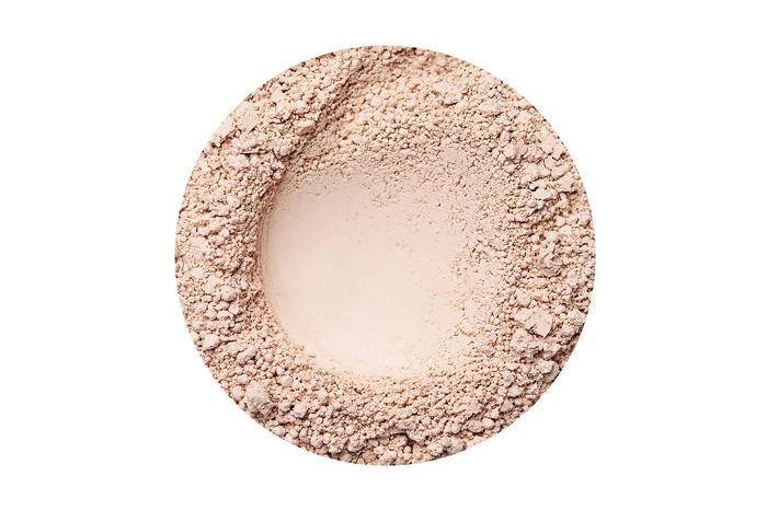 37. kép: Az olvasók szavazatai alapjánA LEGJOBB BIO- ÉS/VAGY NATÚR SMINK kategóriában1. helyezett azAnnabelle MineralsPretty Matt matt hatású púder