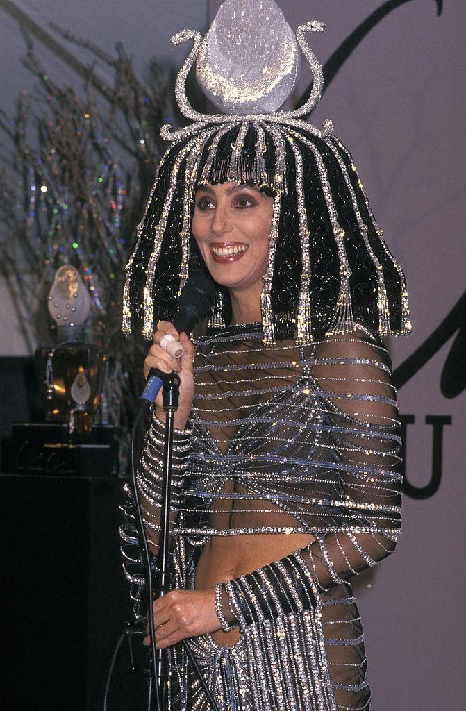 Cher 1988-ban így jelent meg egy Halloween partyn