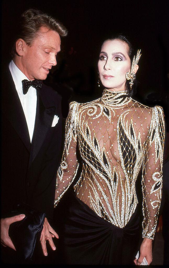 Cher és Bob Mackie 1985-ben