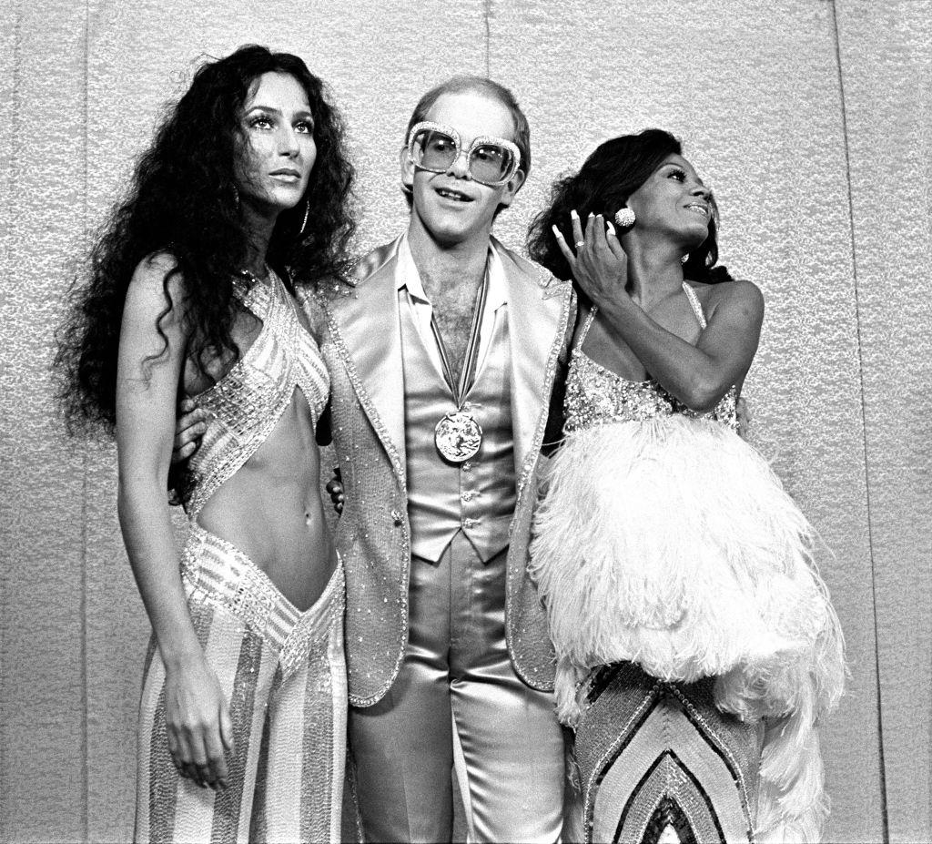 Cher Diana Ross és Elton John társaságában