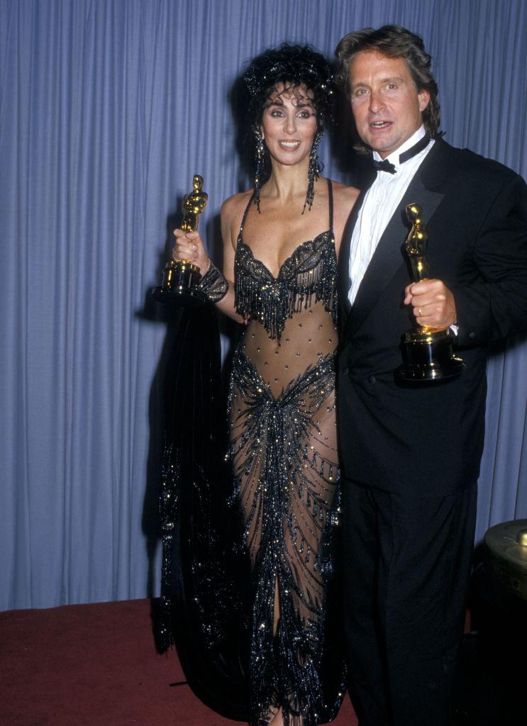 Cher és Michael Douglas az Oscar-díjátadón