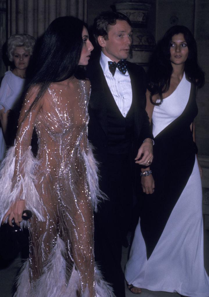 Cher naked dress-t visel