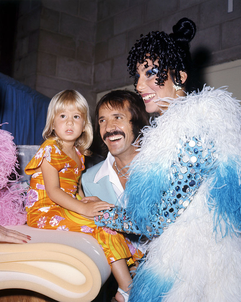 Cher és Sonny Bono családi fotó