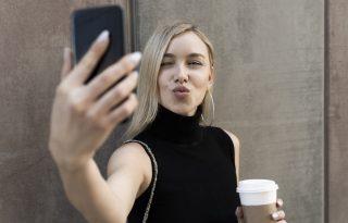 Saját Instagram-arcukat kérik a plasztikai sebészektől a fiatal nők