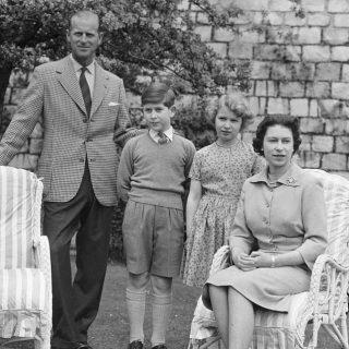 Magány és fegyelem – Ilyen volt Károly herceg gyerekkora a királynő elsőszülöttjeként