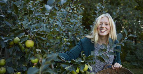 Megszünteti a korpát, feszesíti a bőrt: így szépít a zöld alma