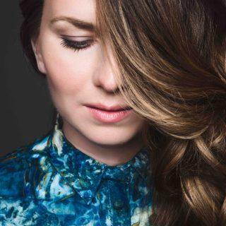 A legnevesebb zenei lapok méltatják Karosi Júlia lemezét