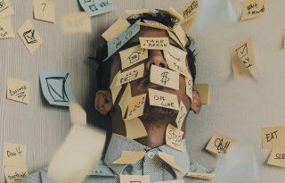 A túl sok munka több mint 700 ezer embert öl meg évente