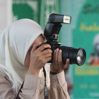 Frontvonalon: újságírónők a Közel-Keletről, a konfliktusok kellős közepéről