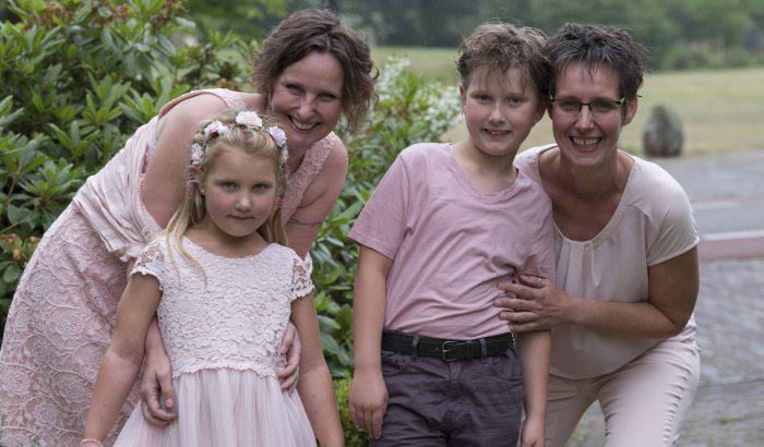Két gyerek, két anyuka, egy apuka – Egy holland szivárványcsalád története