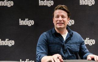 Jamie Oliver átírja rasszista receptjeit