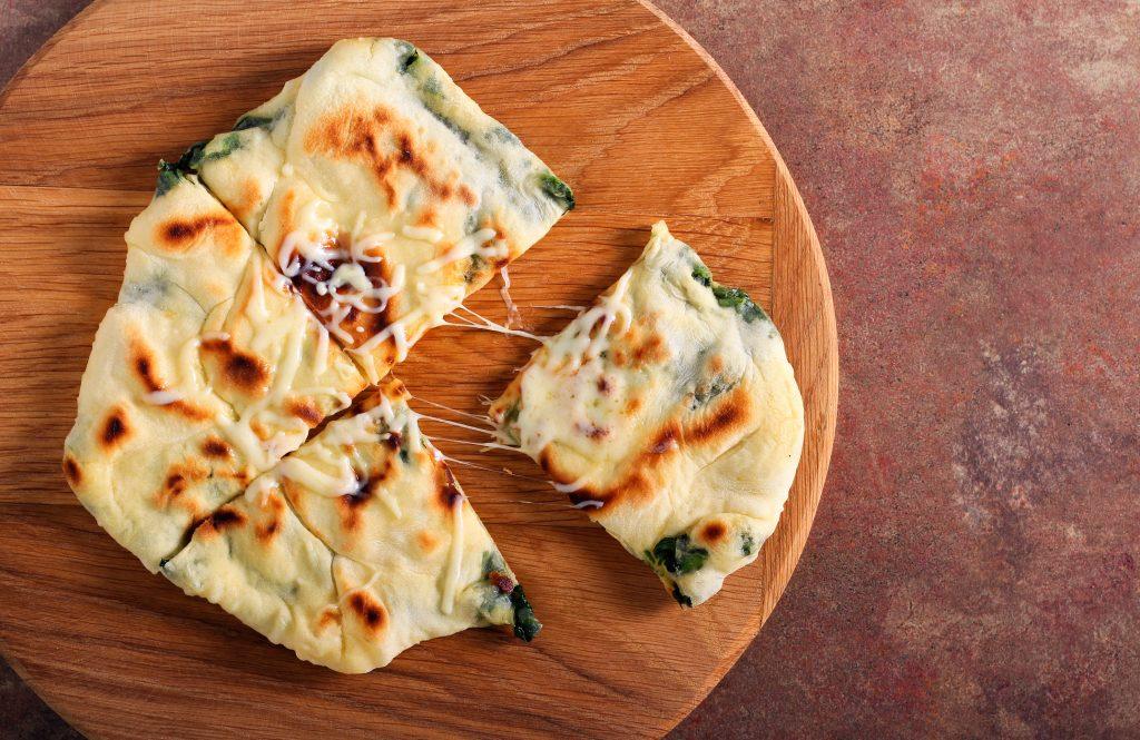 articsoka-spenot-sajt-pita-recept