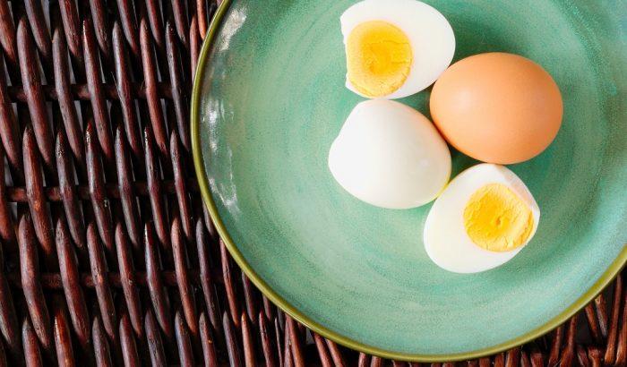 Ezzel az 5 trükkel gyerekjáték megpucolni a főtt tojást