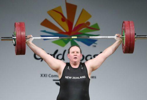 Új-zélandi súlyemelő az első nyíltan transznemű olimpikon